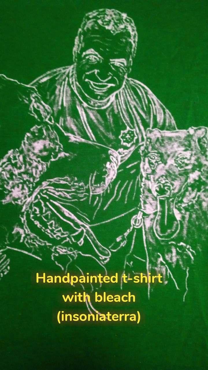 Handpainted t-shirt with bleach (insoniaterra)
