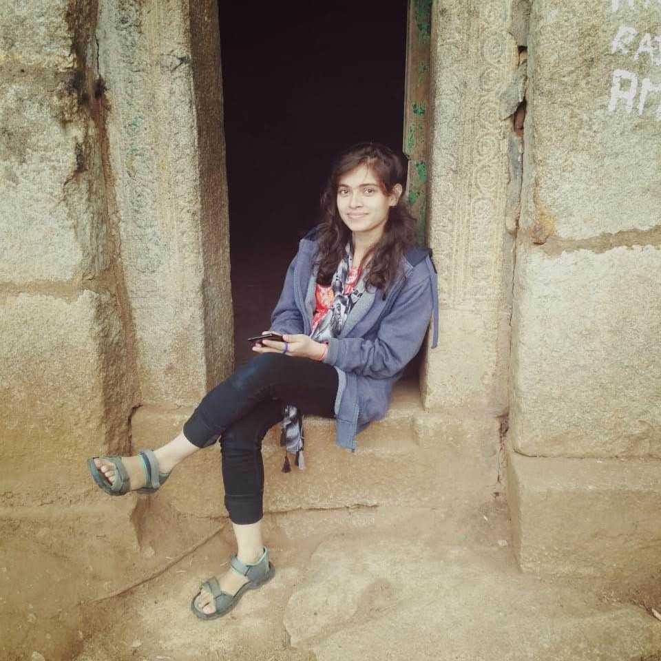 Annu Priya not a poet still... bas thoda dil halka kr lo