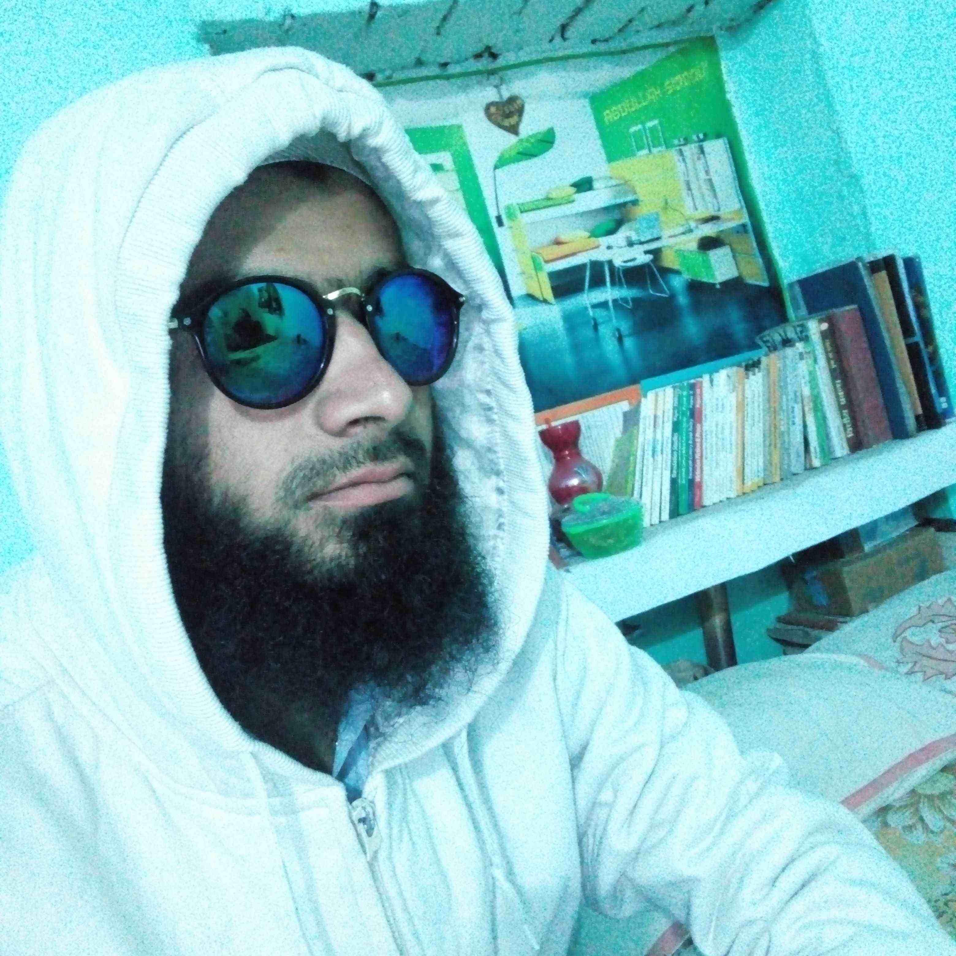 MOHD ADIL Khairiyat Me Mili Khushiyan Mujhe Achchi Nahi Lagti,   Me Apne Gamo Me Jeeta Hum Nawabo Ki Terha...