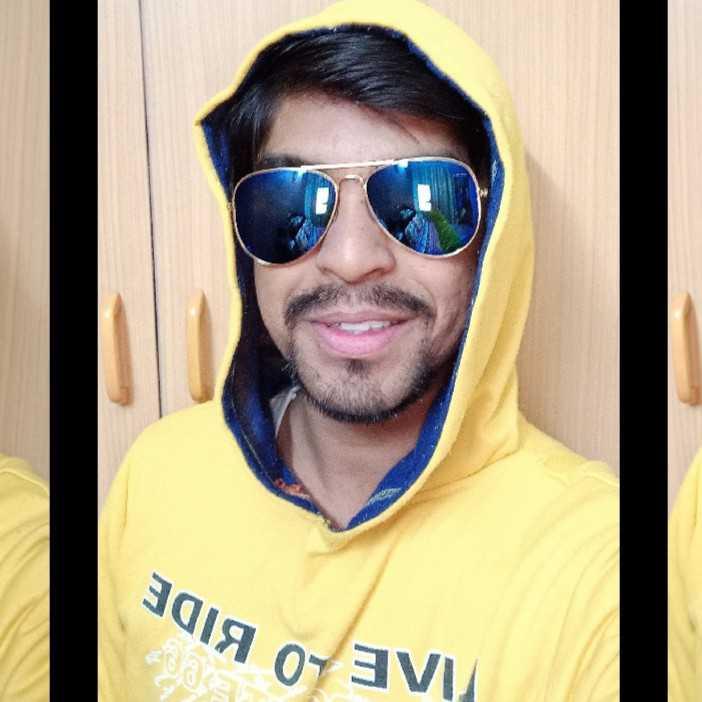 Ashish Garg ✍️अजनबी✍️
