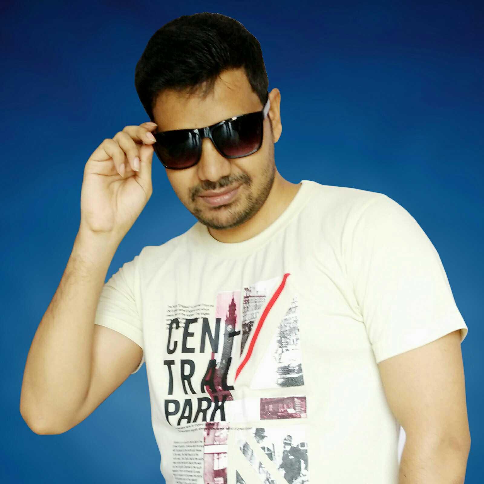 Bipin Sen Blogger, YouTuber, Social Media Influencer, Singer, Photographer, Traveller