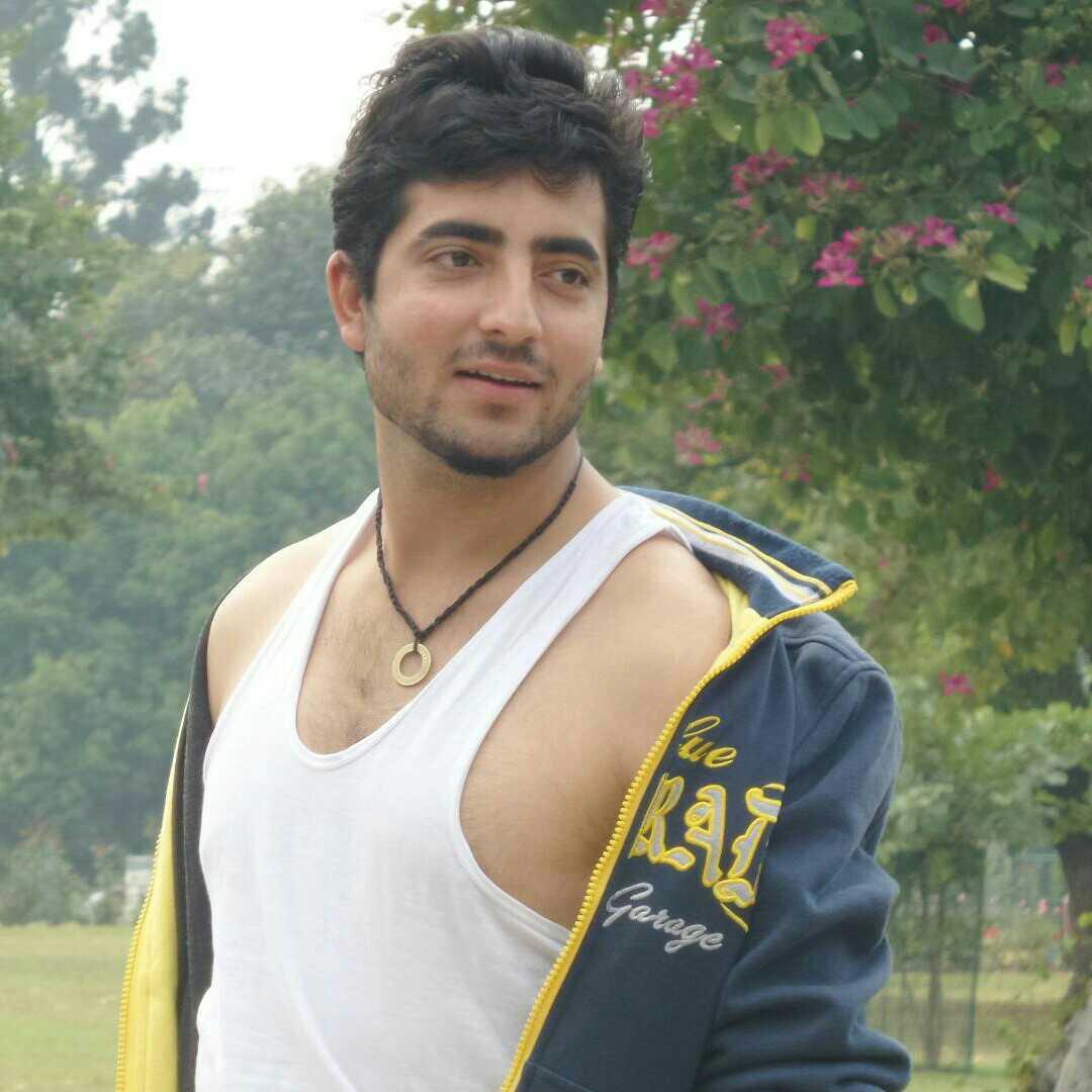 Kabir Bali Follow Me on Insta @Kbshayari -: Kashmiri Boy:-🍁