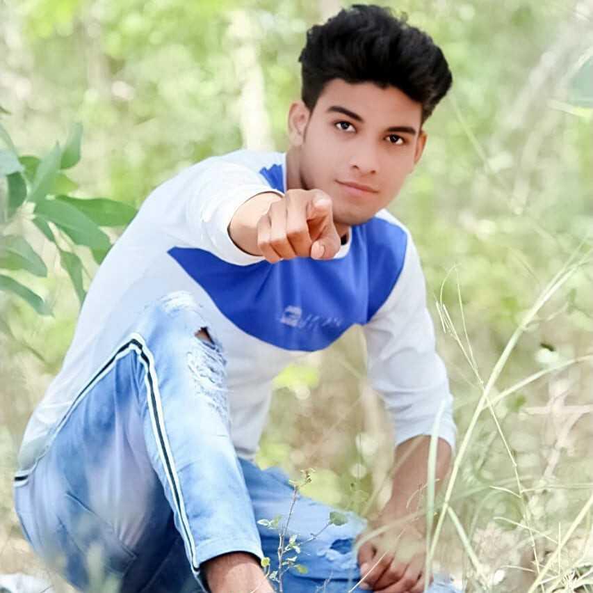 Mo Noor M M