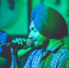 Sahib Singh  kro Check ⬇️  Insta-@Sahibsinghofficial  Artist Punjabi❤️ Professional Singer Poet ......................................... ਮੇਰੀ ਚੁੱਪ ਸੰਗ ਸੌ ਜਨਮਾਂ ਤੋਂ ਯਾਰੀ ਹੈ। ਮੈ ਸੱਪਣੀ ਦੀ ਅੱਖ ਵਿੱਚ ਉਮਰ ਗੁਜ਼ਾਰੀ ਹੈ।