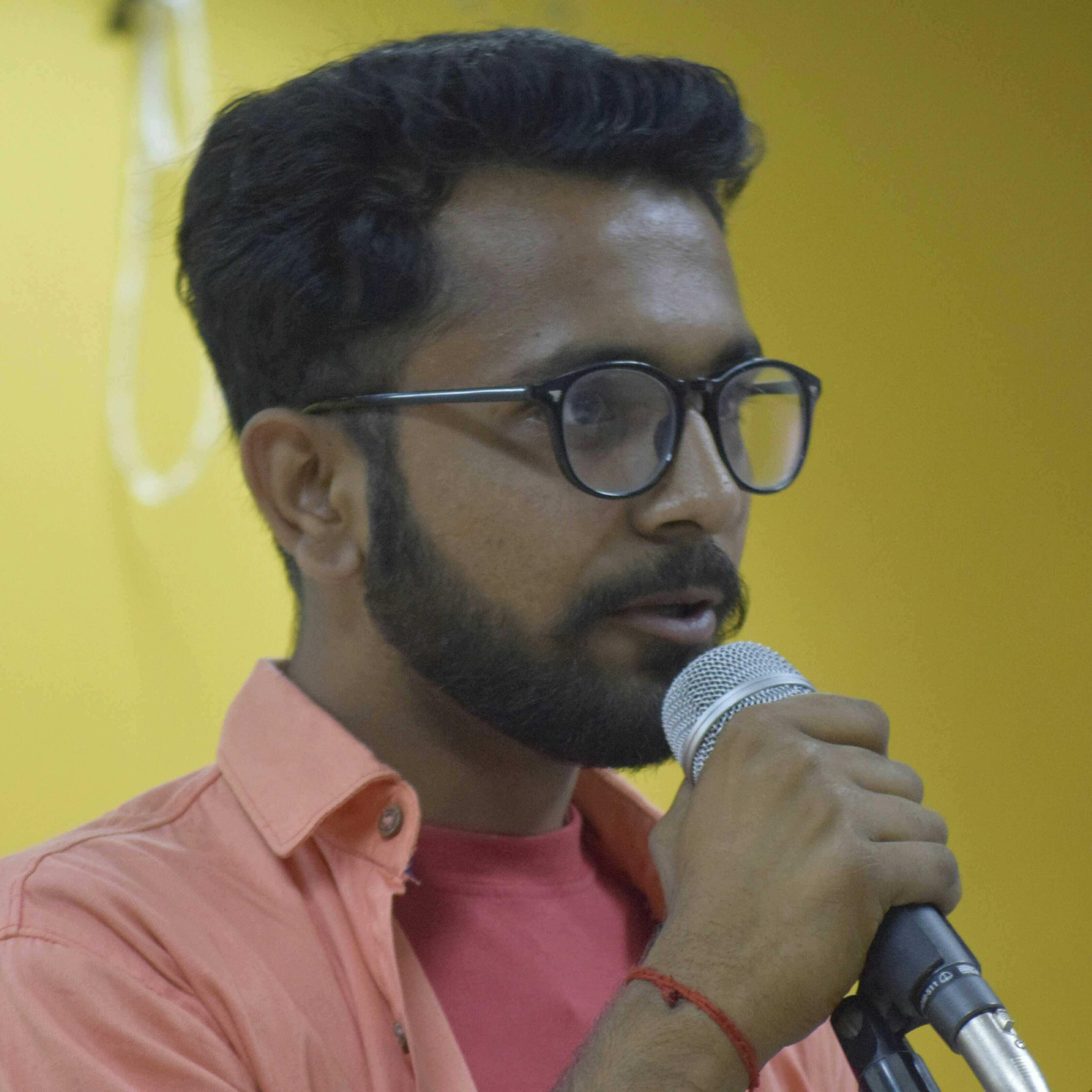 Aditya Sharma मैं कोई कलमकार नही   बस दिल की आवाज को   लफ्जो में उतारने का हुनर रखता हूं