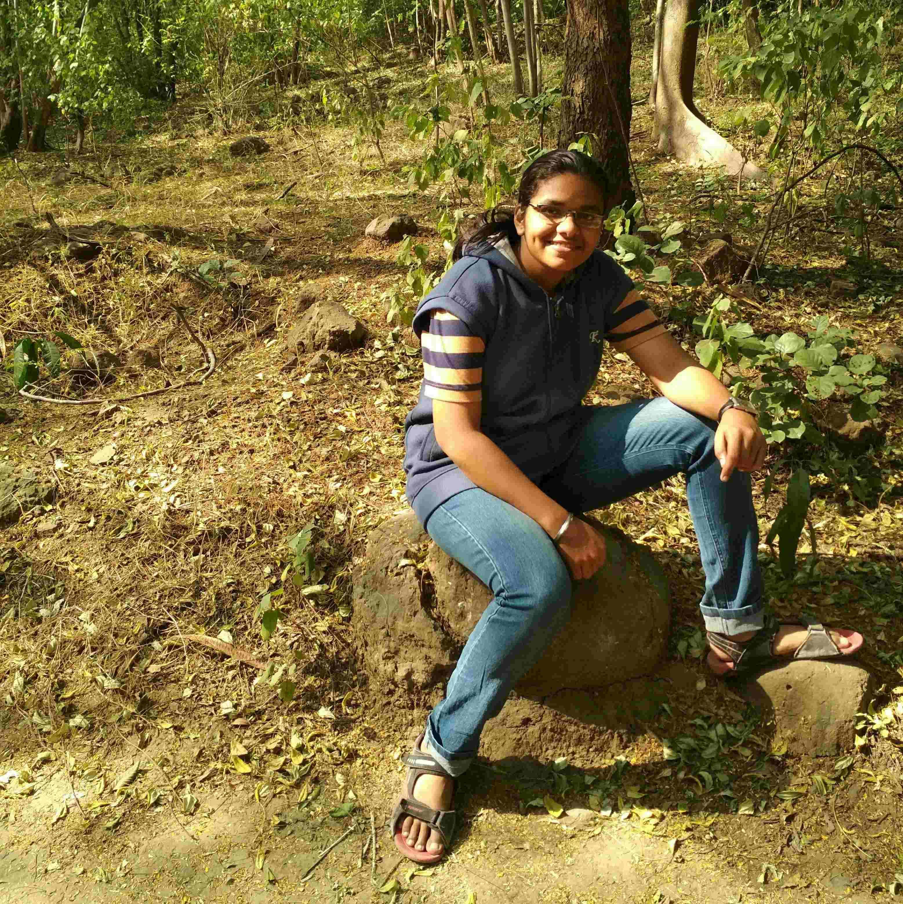 Vaishnavi Pathak कुछ बातें ऐसी जो आपसे केहनी हैं बोहोत सी बातें होगी जो आपसे सुननी हैं। ©वैष्णवी