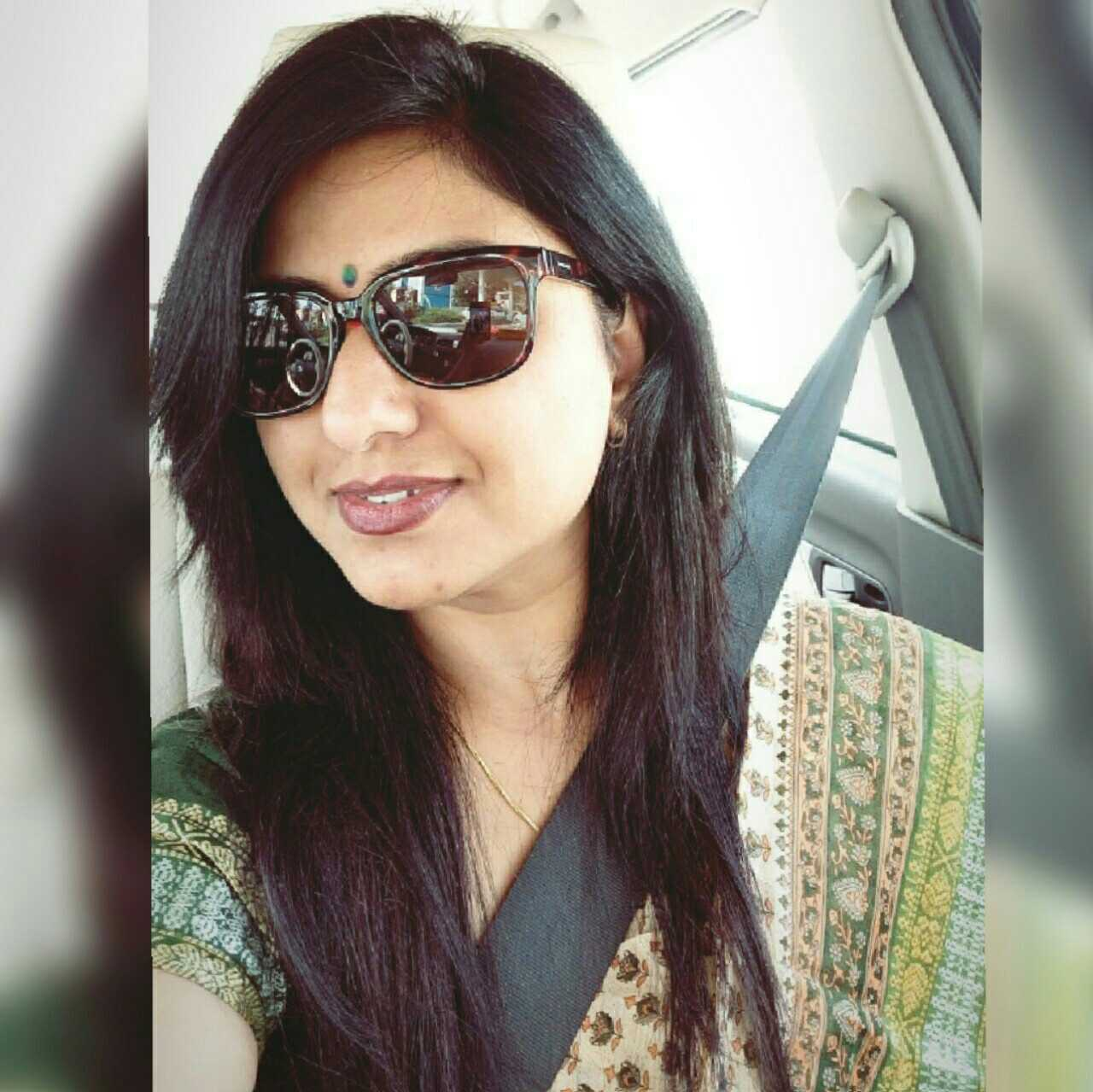 Arpita Dharmadhikari Garud  entrepreneur,  writer, model, photographer. love my life 😍