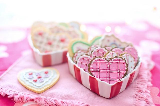 प्रेम  प्रेम जब खुद आकर  बस जाता है विश्वास के भीत