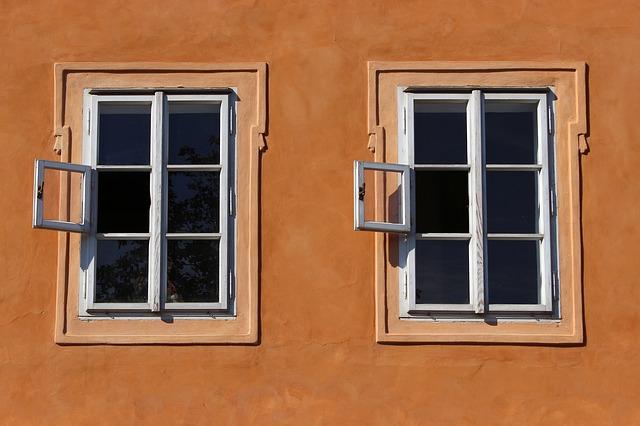 एक खिड़की ज़रा इंसान के दिल में भी तो बने, बाहर का त