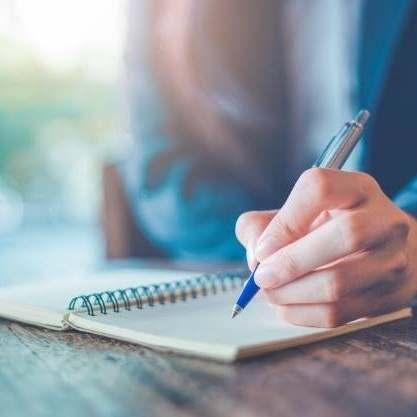 लिखने की कला  हर किसीके  पास नहीं होती,  और कुच लि