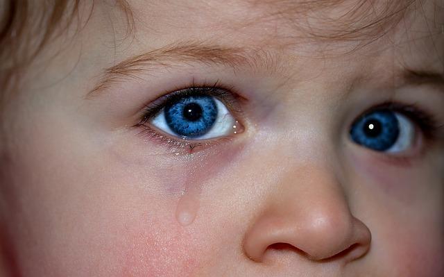 काश तू मेरी आँखों का   आँसू बन जाए,  मैं रोना ही छ