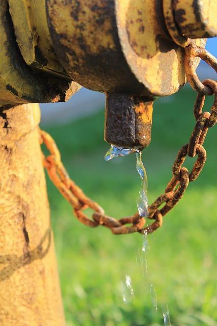 जल का दुरुपयोग न करें। #poeticlife #thaught #savew
