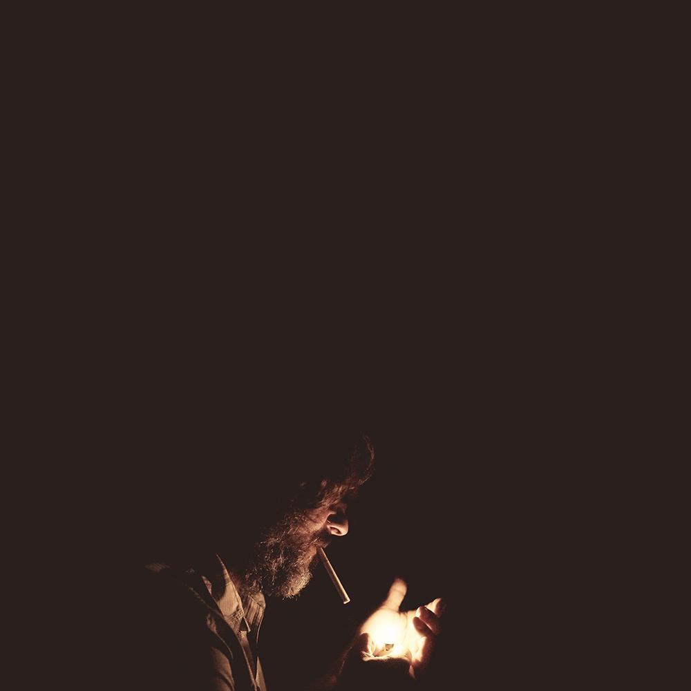 आग को बड़ा गुमान था, अपनी फितरत पर