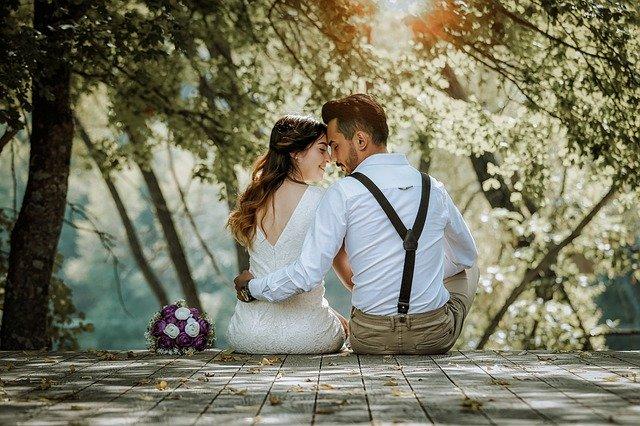 कुछ इस तरह खूबसूरत रिश्ते टूट जाया करते हैं,   दिल