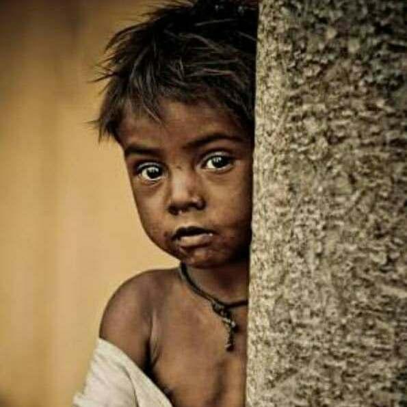 यूँ ना झाँका   कीजिए किसी ग़रीब के दिल में .. यहाँ
